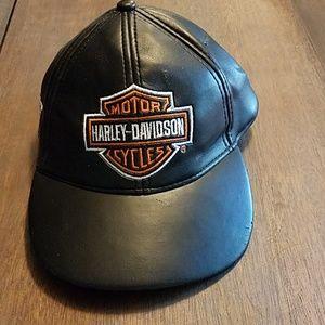 Harley Davidson velcro hat Born to Ride